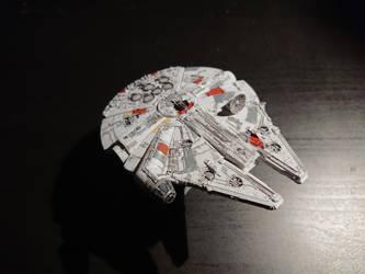 Millennium falcon - Bandai Model (1) by Drazeree