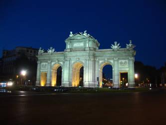 Puerta de Alcala by MariuszMz
