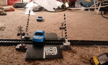 Busch Signals and Bachmann Gates 1 by WillM3luvTrains