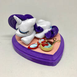 Sleeping Rarity by CadmiumCrab