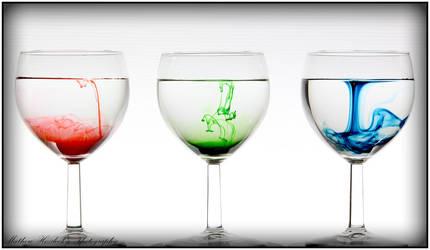 To Dye A Glass by HoZy