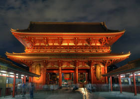 Senso-ji gate by frenchbear