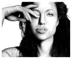 Angelina Jolie by candoriscariot