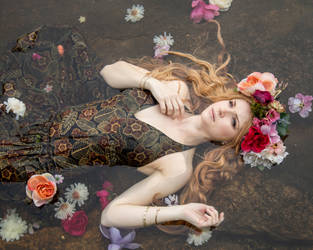 Ophelia by breathelifeindeeply
