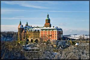 First snow in castle Ksiaz. by oktis