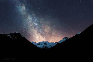 Lights above, darkness below by Soffeline