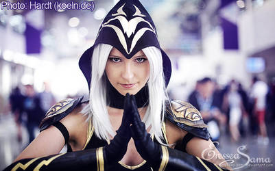 Ashe Cosplay - Gamescom 2015 by Eressea-sama