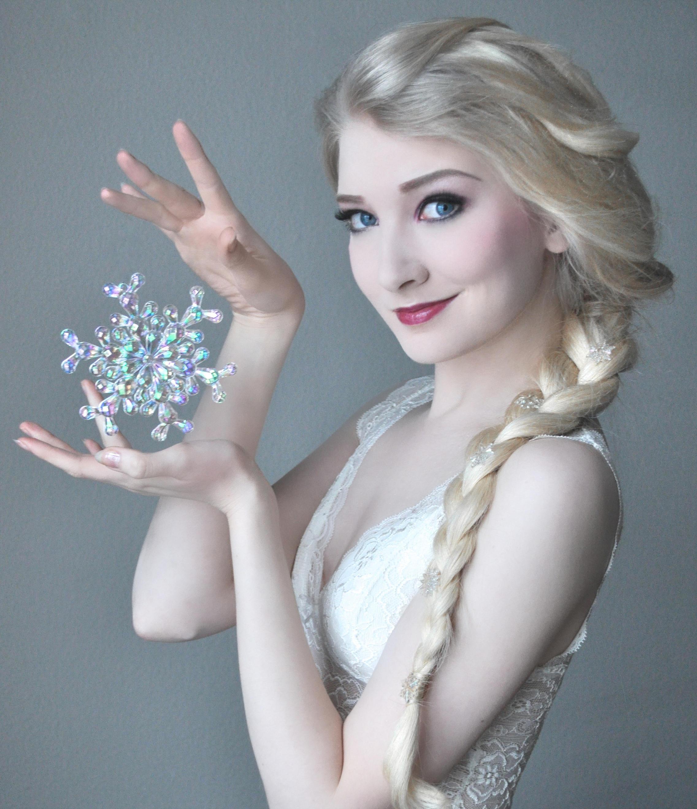 Elsa Portrait - Stock by MariaAmanda