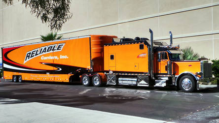 Big Truck, Las Vegas. by Akamasdiver