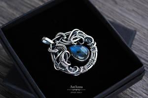 Labradorite pendant, Wirewrap silver pendant by AstannaJewelry