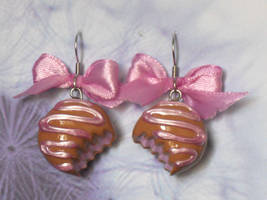 Toffee earrings by Charly-chan