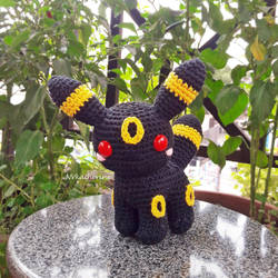 [DISCOUNTED SHIPPING] Umbreon amigurumi by NVkatherine