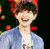 Onew Smiling by blingblingcore