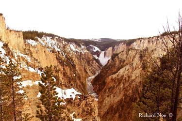 Yellowstone Falls by Yawnboyfilms