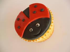Ladybug cupcake by Marce07