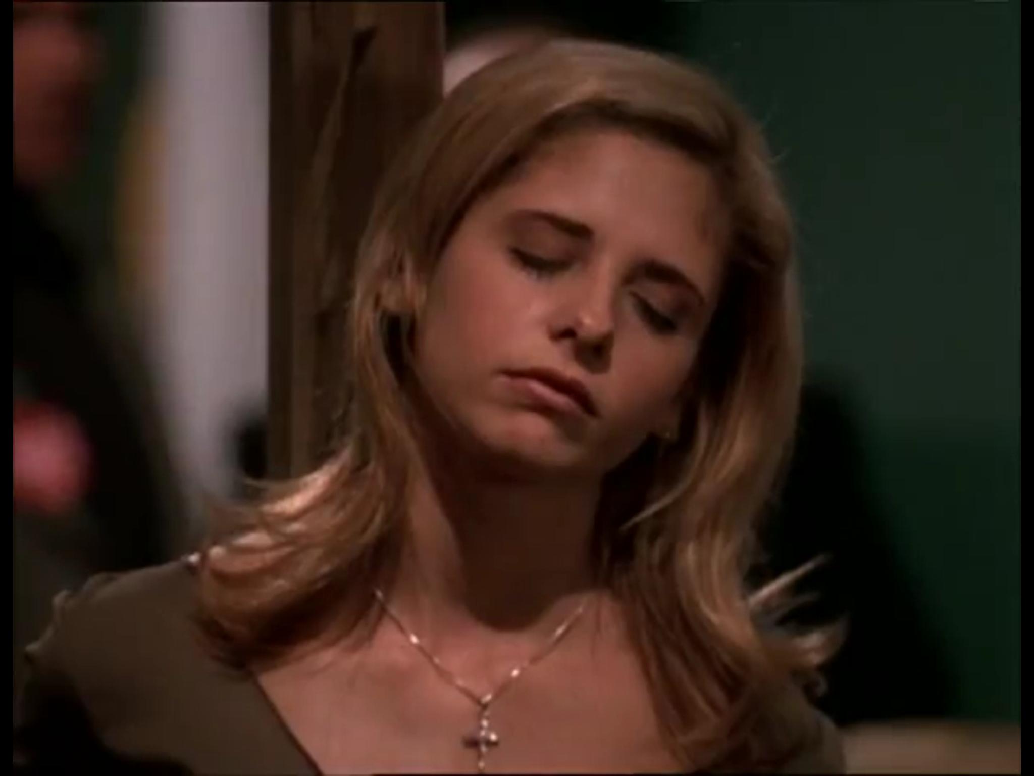 Buffy Summers Sarah Michelle Gellar Unconscious By Uuuwee On