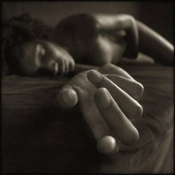 Une caresse 6 by Renoux