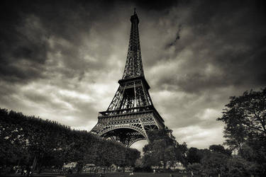 Paris Eiffel Tower. by xMEGALOPOLISx