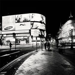 London Piccadilly Circus by xMEGALOPOLISx