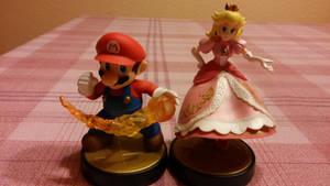 Amiibo - Mario x Peach by lucianintendofan97