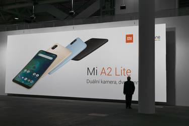 Xiaomi Mi A2 Lite Billboard by romankac