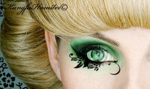 Extreme Make-Up by KungfuHamster