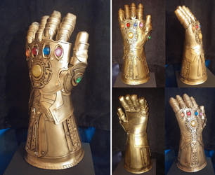 The Infinity Gauntlet by SabrePanther