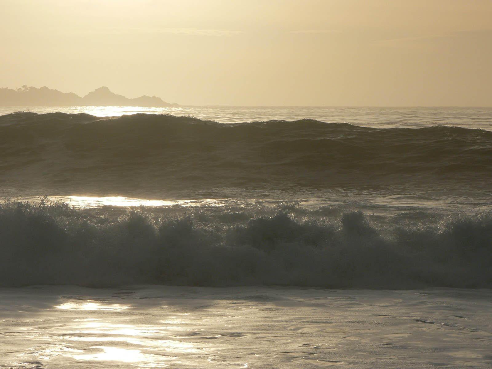 Twin waves by thedropkickninja