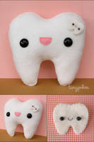 Tooth Plush and Pin by tinypom