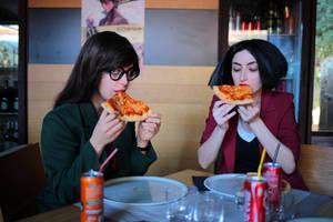 Eat pizza and complain - Daria and Jane Cosplay by Kiara-Valentine