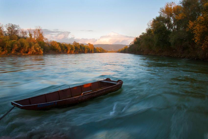 Dreamy river by cyro-prime