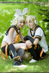 Vocaloid: Twins by Yuugi-Mutou