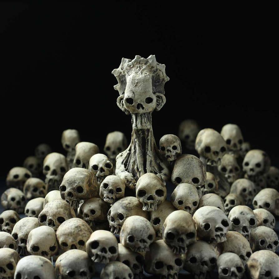 Broodmother and Skulls Installation by DugStanat