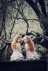 Sisters by MariannaInsomnia