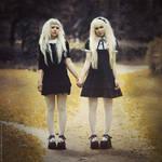 Twins by MariannaInsomnia