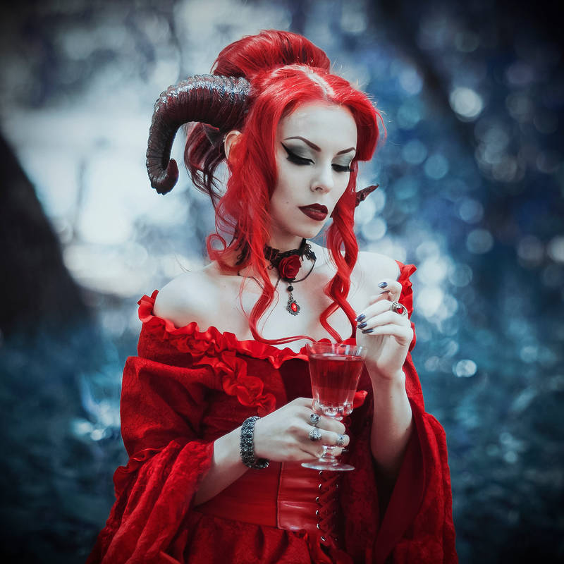 Demoness by MariannaInsomnia