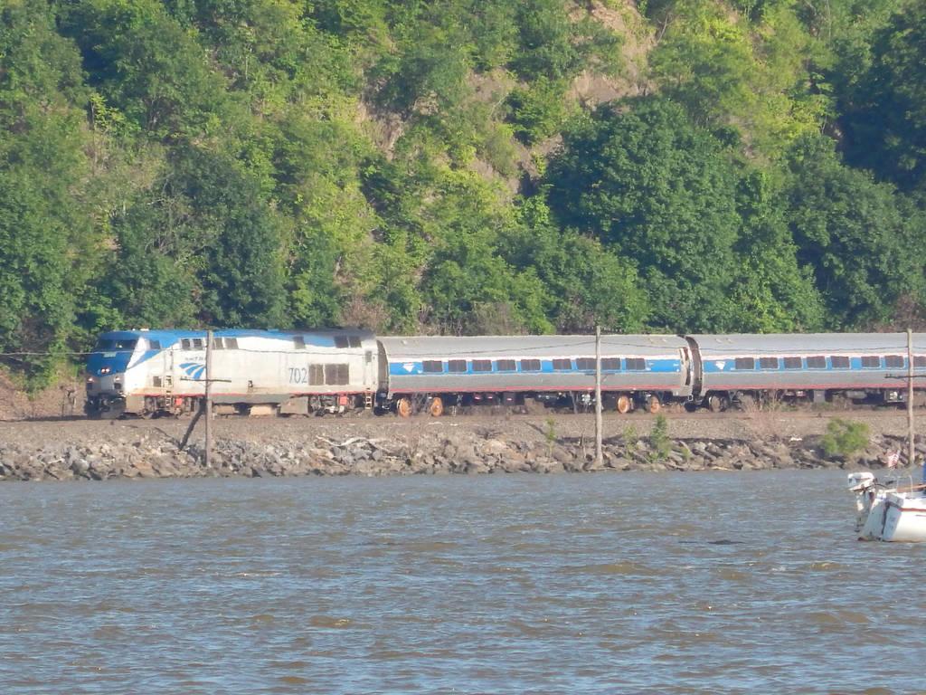 Amtrak P32ACDM #702 by Tracksidegorilla1