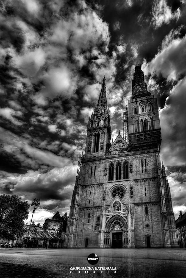 Zagrebacka Katedrala by Q-harrr