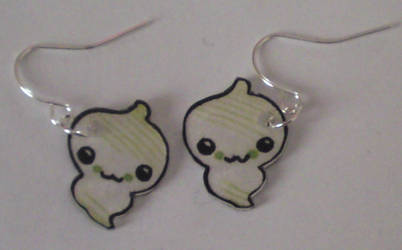 Kawaii ghost earrings by Lovelyruthie