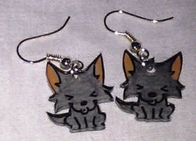 .Kawaii Howling Wolf earrings. by Lovelyruthie