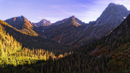 Indian Summer in the Cascades by PNWDronetography