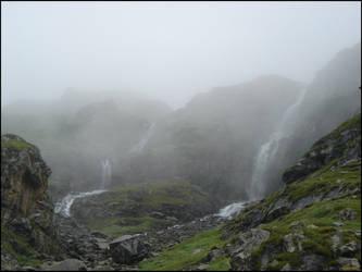 Twin Falls by Laicristiel