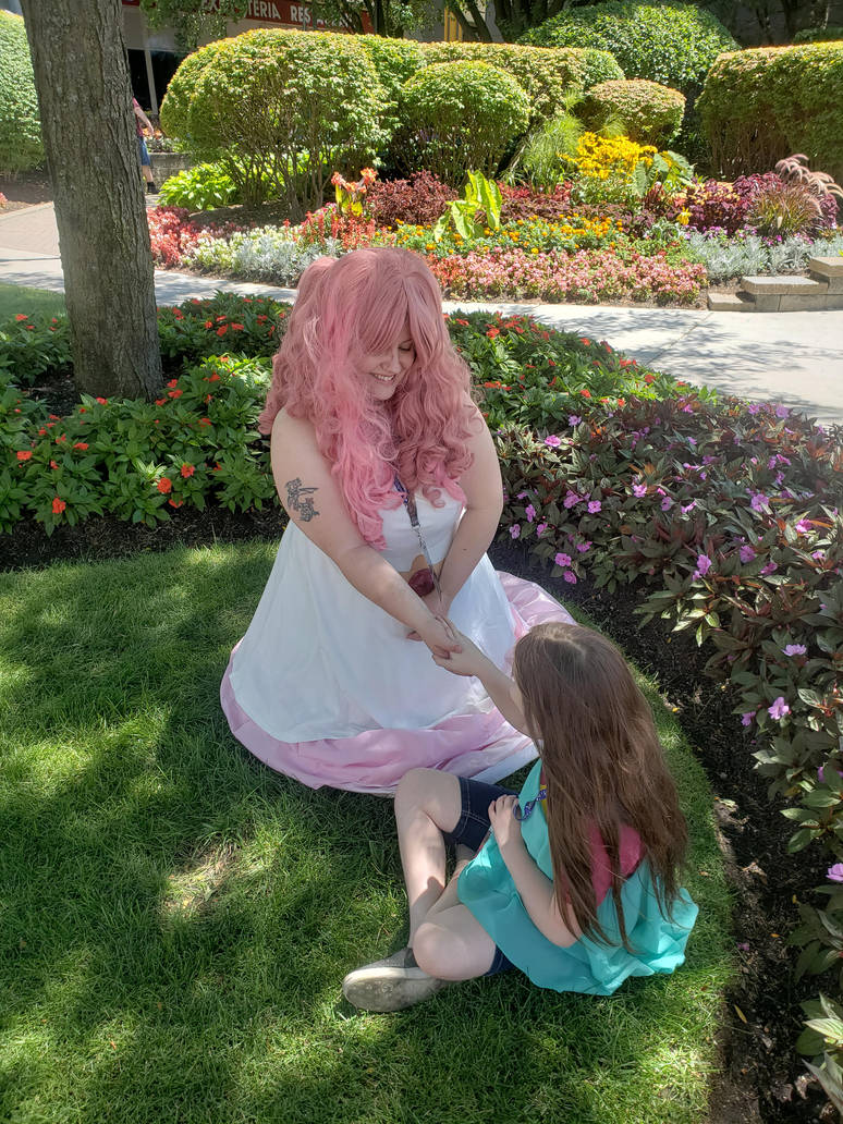 Rose Quartz Cosplay (Anime Midwest) by ShadyDarkGirl