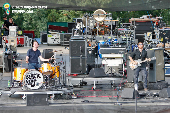 Black Keys Stage by ratdog420