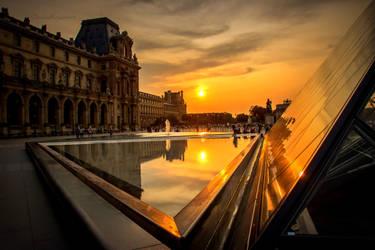 Sun of Paris - Le Louvre by Cloudwhisperer67