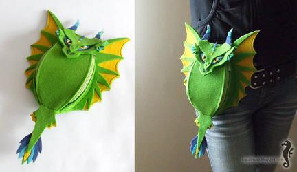 Green Dragon - hip bag by bt-v