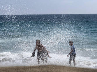 Waves by Wannabby