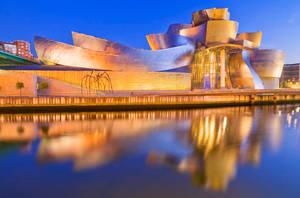 Guggenheim by onicomicosis