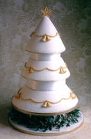 christmas tree wedding cake by Dragonsanddaffodils