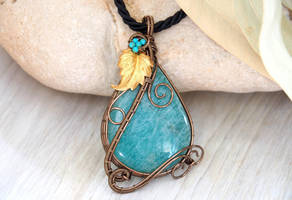Aventurine pendant with leaf by IanirasArtifacts